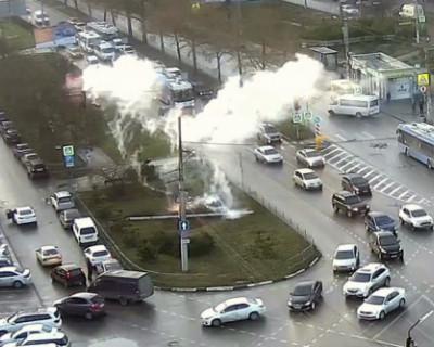 В Севастополе упала троллейбусная электроопора