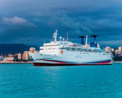 Китайцы хотят купить лайнер для круизов вдоль Южного берега Крыма