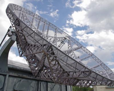 Путин приказал доложить о причинах отставания в развитии военных спутников