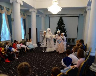 В Севастополе проходят ёлки для многодетных семей с приемными детьми