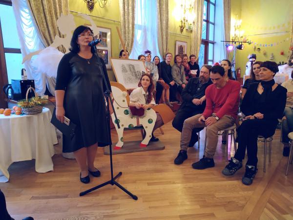 Под Новый год в театре им. Луначарского артисты и зрители говорили друг другу комплименты