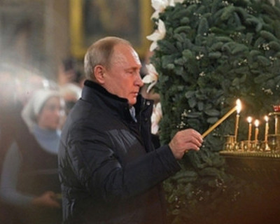 Где Путин и Медведев встретят Рождество?