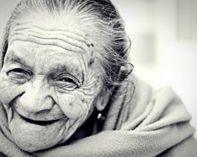 100-летние севастопольцы будут получать на день рождения по 10 тысяч рублей