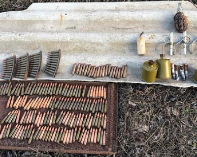 В Крыму нашли тайник с оружием