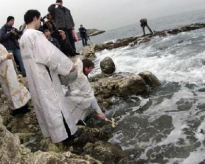 Сотрудники МЧС Севастополя обеспечат безопасность граждан в ходе крещенских купаний
