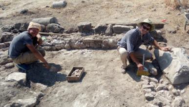 Магистранты СевГУ приняли участие в раскопках древнегреческого города Милета