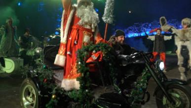 Члены мотоклуба «Ночные волки»  обращаются к американским байкерам с просьбой поддержать президента США Дональда Трампа в столь доброй инициативе — «Русский лес»
