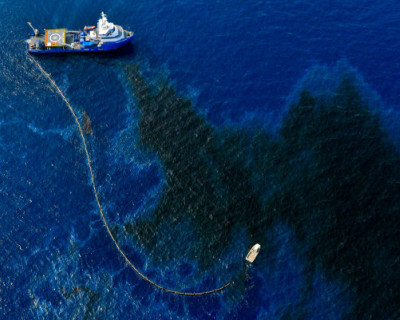 Учёные обнаружили разлив нефтепродуктов у берегов Феодосии