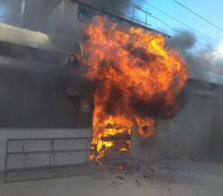 В Севастополе сгорел торговый павильон