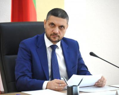 Российский губернатор зачитал рэп в своём рабочем кабинете (ВИДЕО)