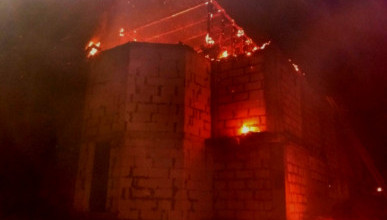 Огнеборцы Севастополя потушили пожар в одном из строений мужского монастыря Паисия Величковского
