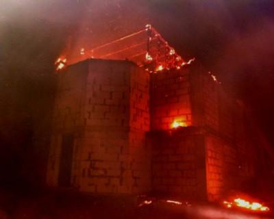 Огнеборцы Севастополя потушили пожар в мужском монастыре