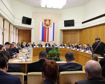 Общественная палата Крыма одобрила проект изменения в Конституцию РФ