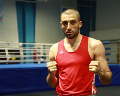 Участник чемпионата мира по боксу избил сотрудника Росгвардии и сломал ему нос