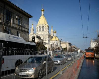 В Севастополе продлено ограничение движения транспорта по улице Большая Морская