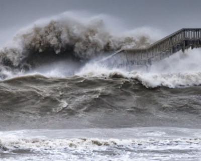 В Крыму смыло волной в море ещё одного человека