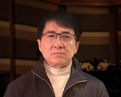 Джеки Чан выплатит $143000 автору лекарства от смертельного коронавируса