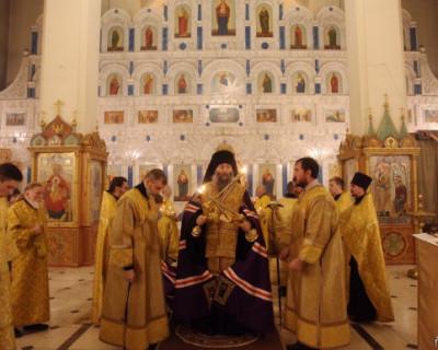 В Благовещенске решили ударить молебном по коронавирусу