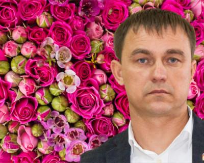 Миллион алых роз для руководителя Гагаринского района Севастополя…