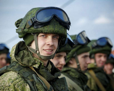 Солдатам-срочникам будут платить по 2 тысячи рублей в месяц