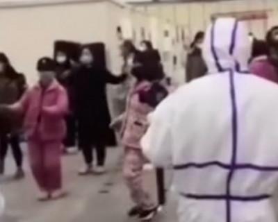 Врачи Уханя поддерживают больных коронавирусом танцами и песнями (ВИДЕО)