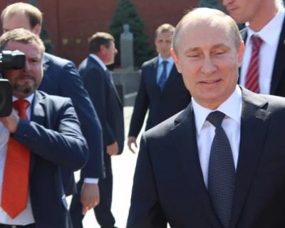 Как Путин относится к своим иконам