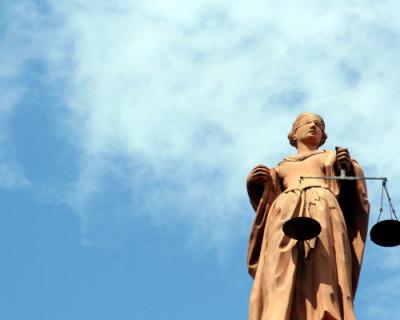 В правительстве Севастополя закончились юристы?