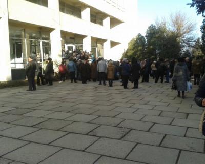 Управление государственной регистрации права и кадастра г. Севастополя не способно организовать прием граждан (фото)