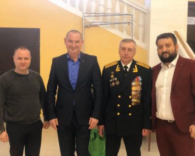 Депутат Закcобрания Севастополя Михаил Брицын поздравил ветеранов с Днем защитника Отечества