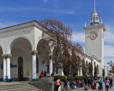 Шутник из Петербурга «заминировал» ж/д вокзал в Симферополе