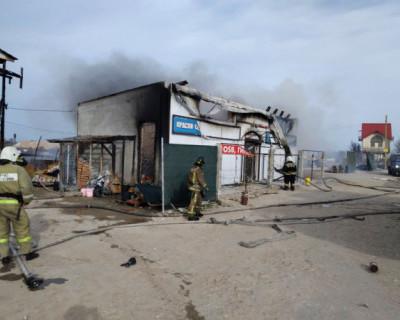 В Севастополе сгорел строительный магазин