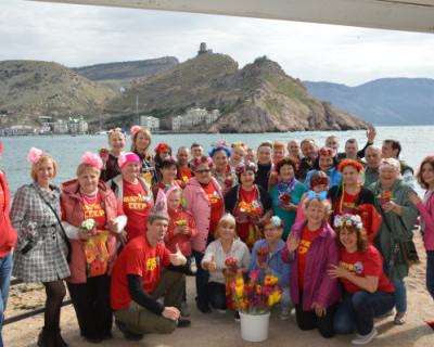 Севастопольские моржи поздравили всех любителей холодной водички (ВИДЕО)