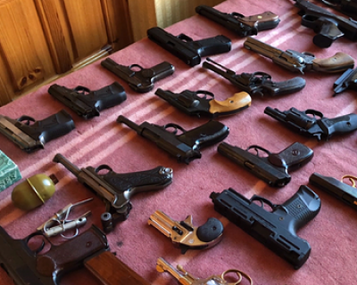 Сотрудники ФСБ накрыли десять подпольных оружейных мастерских
