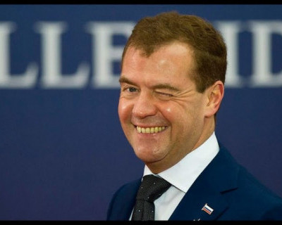 Во время пандемии коронавируса свои позиции усиливает Дмитрий Медведев