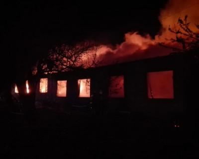 В Севастополе сгорел одноэтажный дом. Есть погибший (ФОТО)