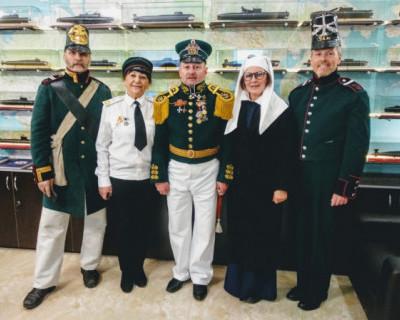 Важный день в престижном офицерском клубе Севастополя