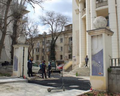 На главной улице Севастополя отреставрируют арки и ворота близлежащих домов