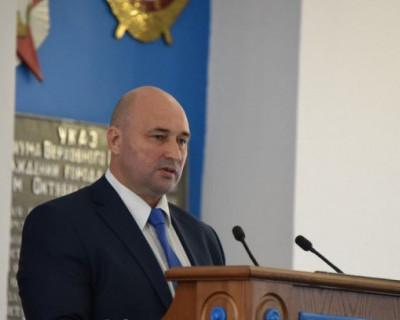 Председатель севастопольского Заксобрания Немцев продолжает нарушать федеральный закон. Это сильно вредит гражданам города