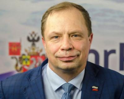 Вице-губернатор Севастополя предложил кормить врачей шоколадками