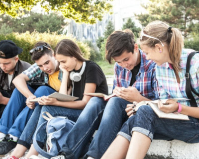 Крымским подросткам запретят находиться в общественных местах