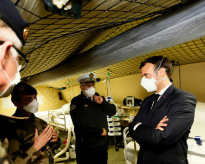 Во Франции объявили о начале войны против коронавируса