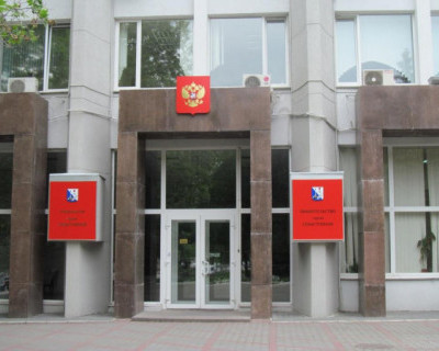 Правительство Севастополя предоставило свои автомобили врачам и волонтерам