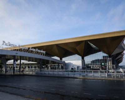 Севастопольскую девушку забыли в аэропорту Петербурга