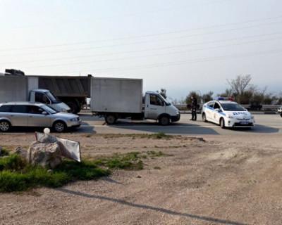 На подъездах к Севастополю установили пункты пропуска, которые проверяют все въезжающие в город автомобили