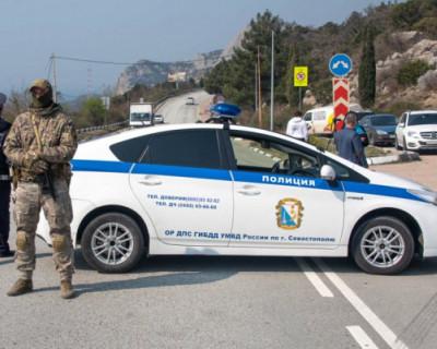 Врио губернатора Севастополя объехал блокпосты на въезде в город