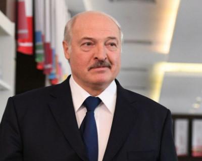 Водка, трактор и хоккей: почему рецепты Лукашенко не спасают белорусов от коронавируса