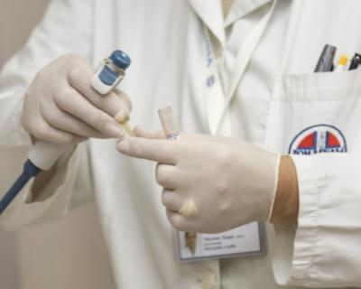 Правительство Севастополя направило на поддержку медиков около 24 млн рублей