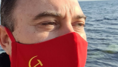 Главный коммунист Крыма пользуется самодельными масками и водкой вместо антисептика