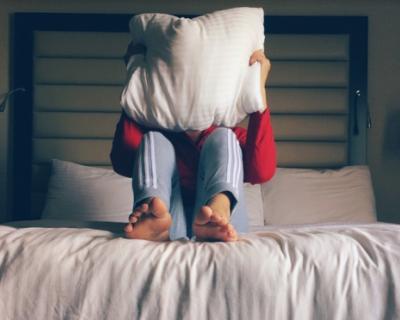 Отправляйте фото «ИНФОРМЕРу»: вирусный флешмоб с подушками «захватил» планету