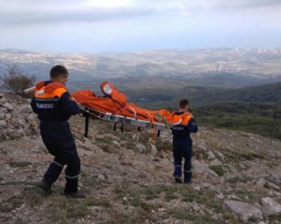 В горах Крыма девушка сорвалась с обрыва